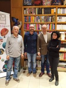 Visita y firma de libros de Javier Sierra en Librería Moises de Barbastro el martes 20 de octubre de 2015. Mil gracias a todos los que os pudisteis acercar a compartir este momento con nosotros.